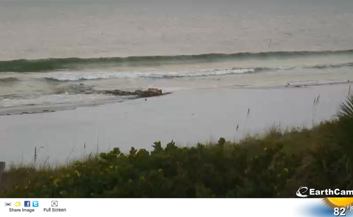 Tuesday am and it looks a little bigger than Monday. 1ft south swell looking like a solid line.