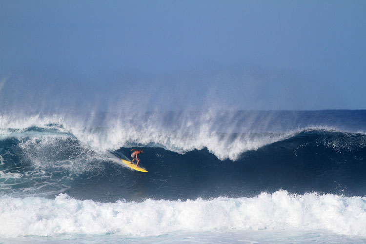 Leif pulling into the tube a Tres Palmas. Photo: M Weaver.
